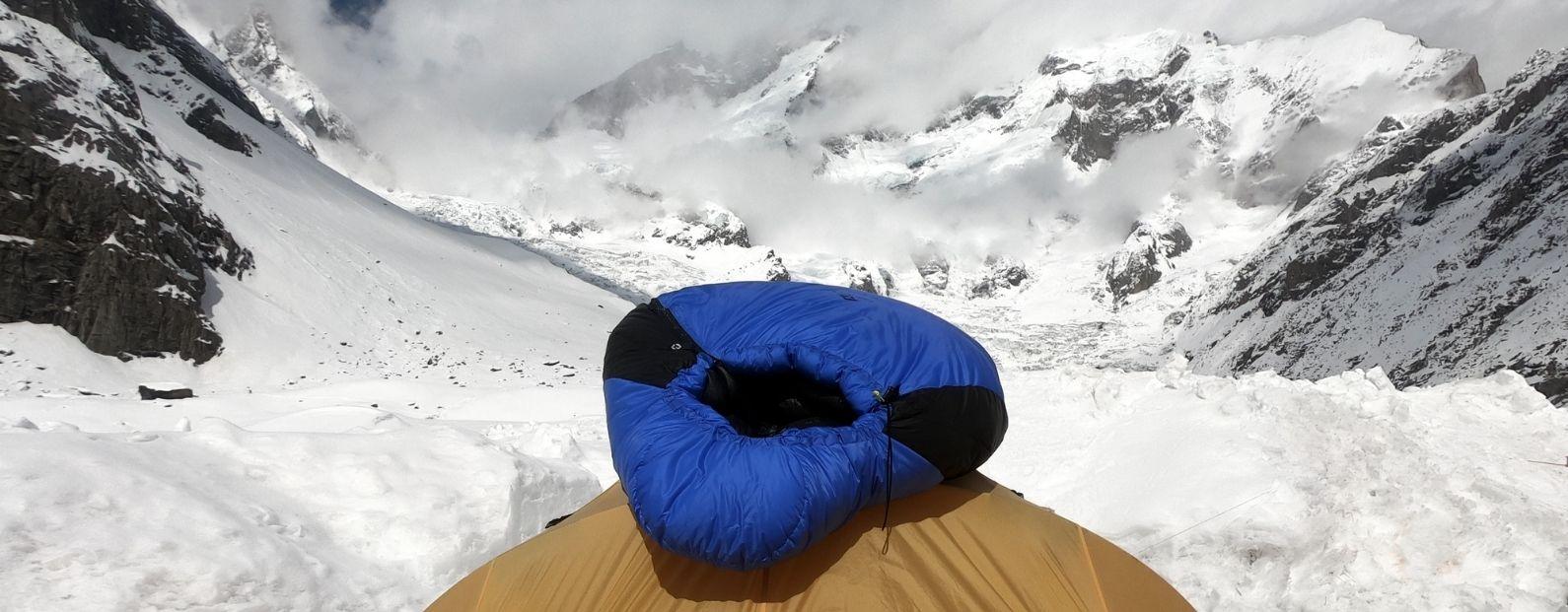 Our new Excusitic 1500 sleeping bag tested in Karakoram